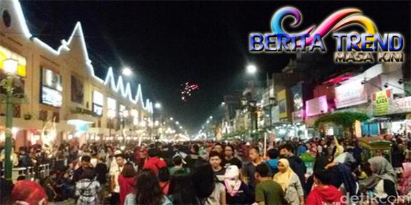 Wisata Pada Malam di Yogya: Menonton Ladyboy Sambil Minum Kopi Joss