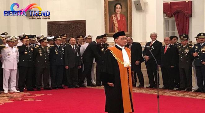 Sunarto Resmi Menjabat Sebagau Hakim MA Setelah Membacakan Sumpah Jabatannya Di Depan Jokowi