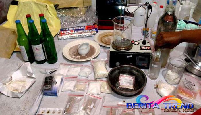 Seorang Pramugari Seludupkan Heroin lewat Pakaian Dalam, Dipenjara 9 Tahun