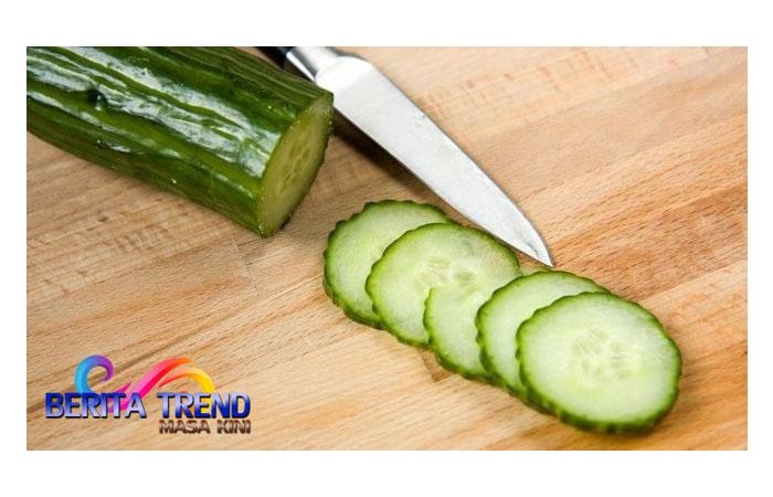 Cobalah Makan Timun Tiap Hari, Ini 5 Efeknya pada Tubuh!