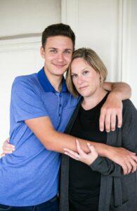 Sarah Sands dan Putranya, Bradley sekarang